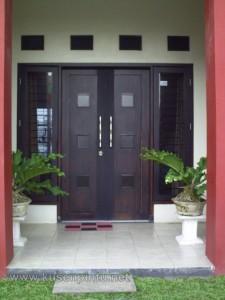 Contoh Kusen Pintu Rumah Utama
