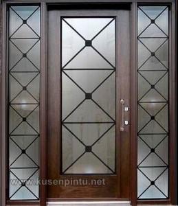 Dekorasi Pintu Rumah Minimalis