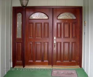 Kusen Daun Pintu Kupu Tarung Besar
