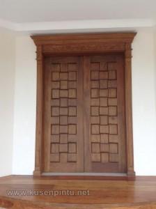 Meditarian Model Pintu Rumah Klasik