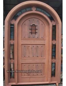 Model Kusen Pintu Mahoni Desain Belanda
