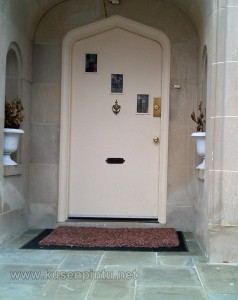 Model Kusen Pintu Rumah Seperti Masjid