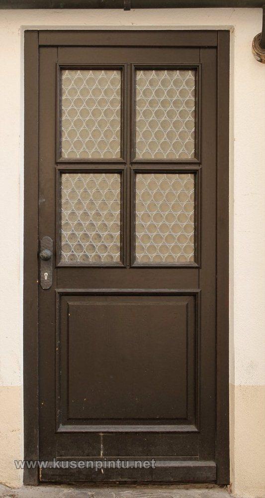 Pintu Rumah Bagian Belakang