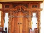 Pintu Gebyok Jawa Antik dengan Jendela Kaca KPG 321