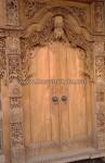 Tampak Kusen Pintu Gebyok dengan Posisi Pintu Utama KPG 379
